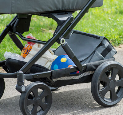 https://www.britax-roemer.de/dw/image/v2/BBSR_PRD/on/demandware.static/-/Sites-Britax-EU-Library/default/dwadabfcb6/Features/WheeledGoods/Feature-WG-LargeStorage10.jpg?sw=400&sh=400&sm=fit